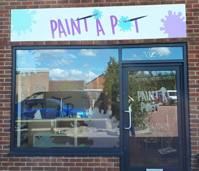 Paint a Pot, Bourne